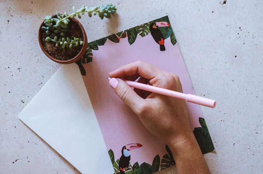 Toucan Writing Set